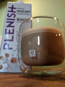 IJskoffie met Plenish hazelnootdrank.